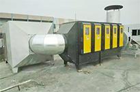 选择好的油烟净化器能有效减少厨房油污的堆积